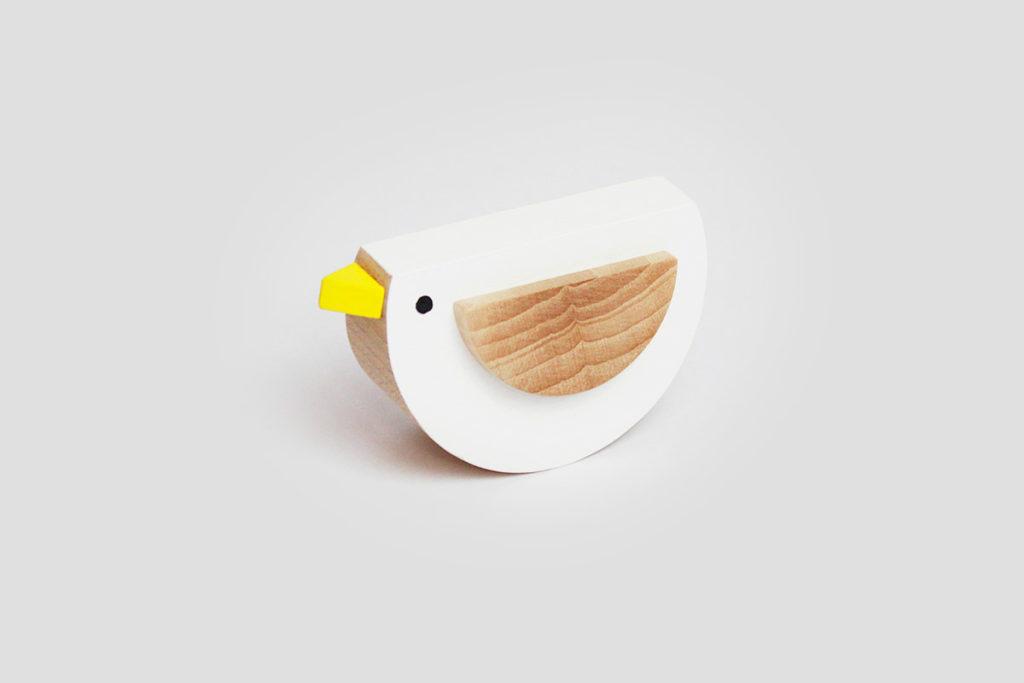 dřevěný ptáček Pipa